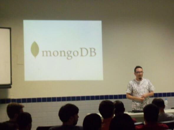 Jean Carlo Nascimento (Suissa) sobre MongoDB