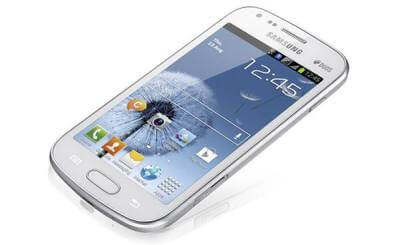 Smartphone Galaxy Grand Duos com 2 chips.