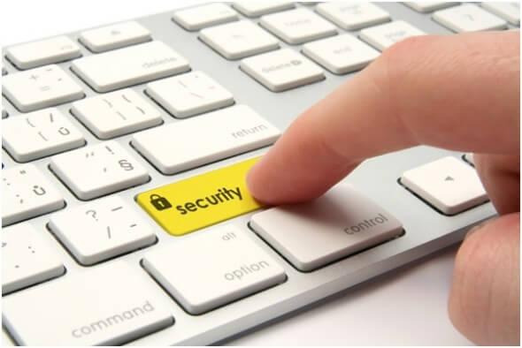 teclado com botão de Segurança